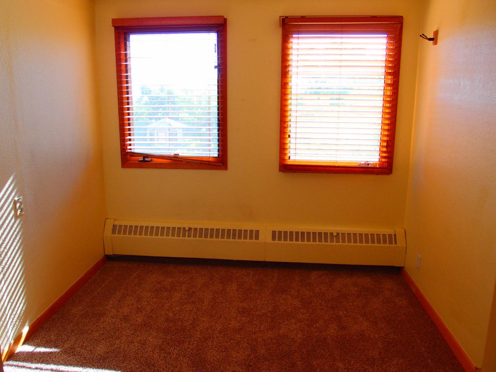 909 smaller room