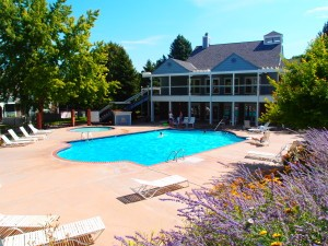 Pool and Clubhouse at Cedar Bridge
