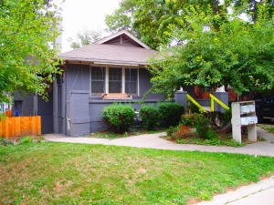 1026 15th - carriage house is located at the back.