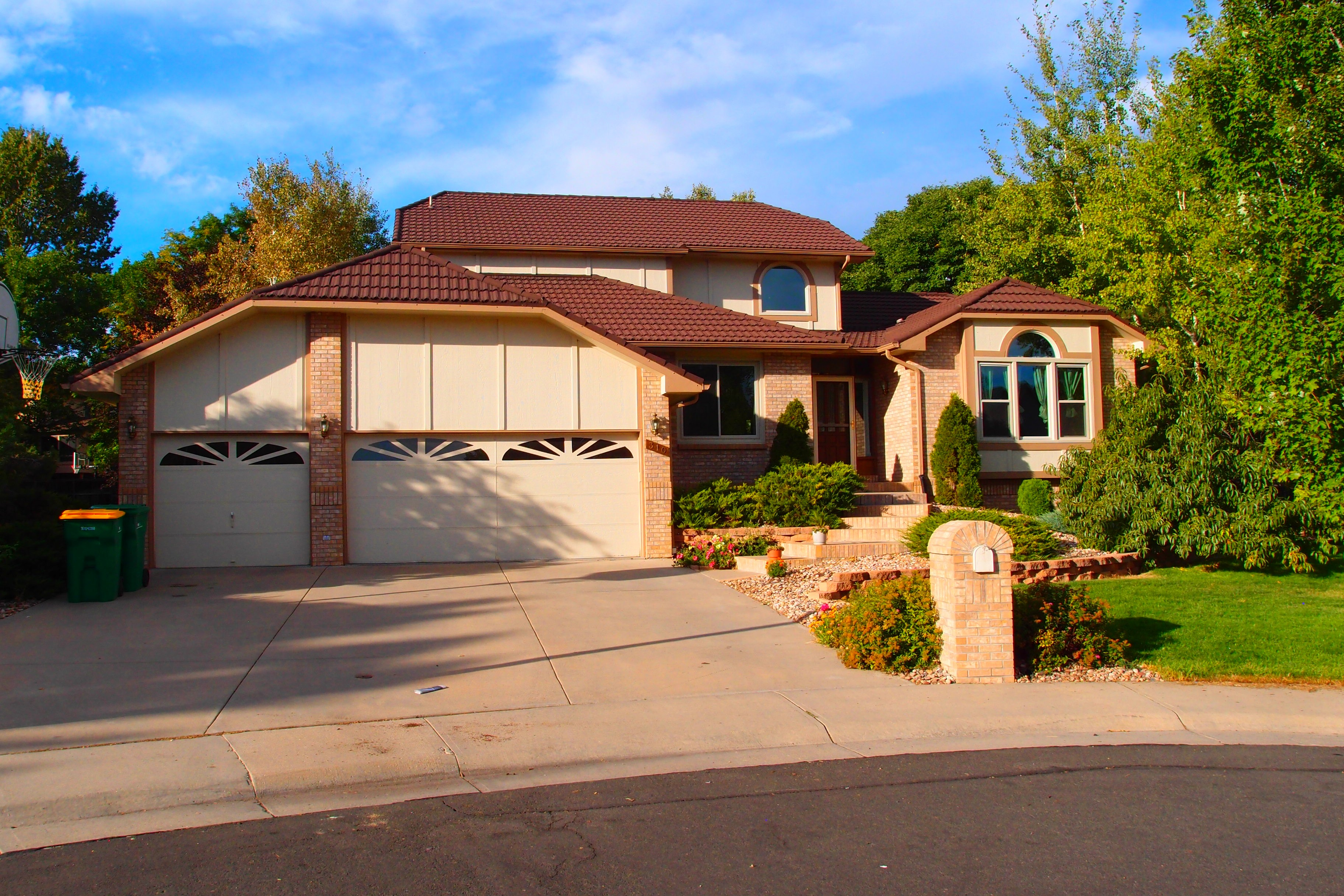 310 Gladstone Circle - FOR RENT